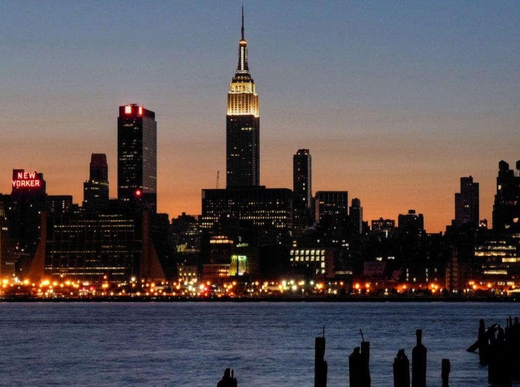 Empire State de noche